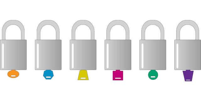 Con distintas llaves